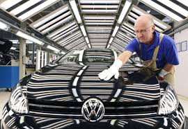 volkswagen mexico plant ottawa dangles 250 million fund to urge volkswagen to u0027look north