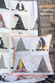 519 best halloween quilts images on pinterest halloween quilts