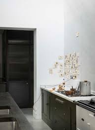 kitchen designers london steal this look a subtly glamorous kitchen in north london