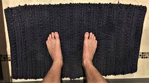 how to properly use a bath mat