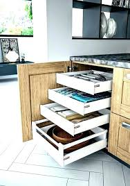 tiroir angle cuisine amenagement interieur meuble cuisine amenagement placard d angle