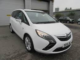 vauxhall zafira 2013 used vauxhall zafira white for sale motors co uk