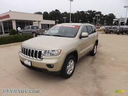 jeep grand cherokee laredo white 2012 jeep grand cherokee laredo in white gold metallic photo 2