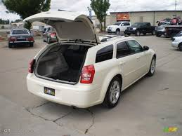 2005 cool vanilla white dodge magnum sxt 30816769 photo 5