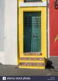 front door to the smallest house la casa estrecha in old san