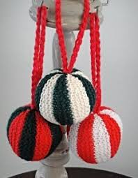 9 knitted ornaments allfreechristmascrafts