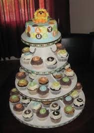 king of the jungle baby shower cupcake tower cakecentral com
