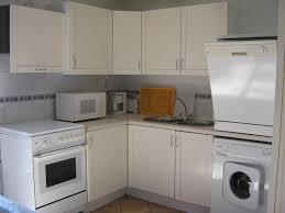 lave linge dans cuisine châtaignier et noyer