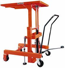 2 000 lb capacity hydraulic lift table 89821789 msc