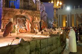 christmas 2014 fontanini nativity set up in piazza san pietro