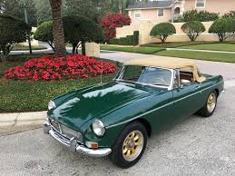 Old Classic Cars - 1967 mgb 50th year old classic british sportscar sold vantage