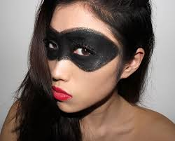 Black Eye Makeup For Halloween Halloween Makeup Ideas Superhero Black Gold Mask With Red Lips