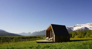 sublime cobby tiny cabin in british columbia that can be installed