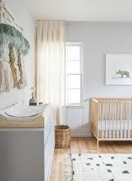chambre enfant beige idées en 50 photos pour choisir les rideaux enfants rideau chambre