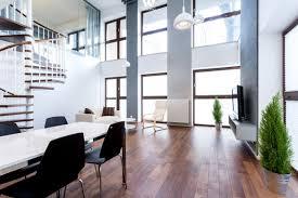 Esszimmer Nussbaum Die Weiße Tischplatte Ergänzt Sich Gut Mit Den Schwarzen Stühlen