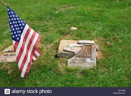 A American Flag Pictures American Flag On The Grave Marker Of An American Revolutionary War