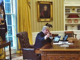 trump desk vs obama desk is trump tweeting from a secure smartphone the white house won t