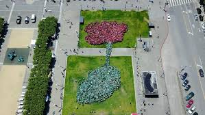 Flower Area - asian art museum sets guinness world record for largest human