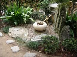 giardini rocciosi in ombra le piante da giardino resistenti al freddo