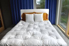 How To Create A Nontoxic Bedroom Gimme The Good Stuff - Non toxic bedroom furniture