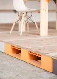 Pallet Of Laminate Flooring Plastic Palette Raised Floor プラスチックパレット Oa Floor