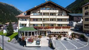 hotel jägerhof 4 star hotel for your holiday in ischgl