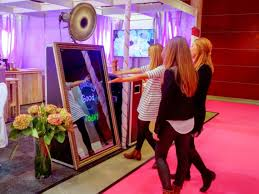 How Much Does It Cost To Rent A Photo Booth Mirror Me Booth New Magical Photo Booth Foto Master