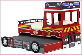 chambre garcon pompier lit pompiers 1044160 lit pompier lit camion de pompier enfant
