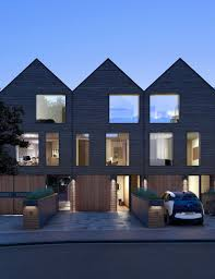 townhouse design ez a fajta sorolt haránt nyeregtetős fűrészfogas bütü kialakítás