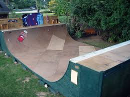 Backyard Halfpipe Buscar Con Google Eco Home Pinterest - Backyard skatepark designs