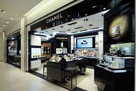 siege social chanel chanel cosmetics shop is black theme classical which is the