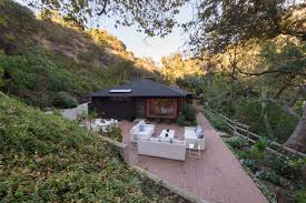 Where Is The Bachelor Mansion Benji Madden Sells His Bachelor Cabin