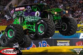 grave digger monster truck wallpaper monster jam world finals xvii photos friday racing