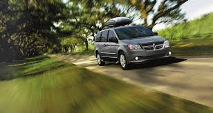 luxury minivan 2016 5 reasons the 2016 grand caravan is the best new minivan