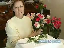 How To Make Floral Arrangements Wedding Floral Arrangements How To Make A Round Floral