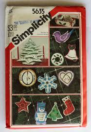 felt christmas ornaments christmas pattern simplicity 5635