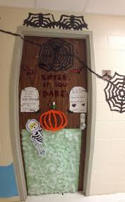 54 halloween door decorations for dorm halloween dorm door