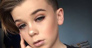 meet the 10 year boy who is being a makeup prodigy