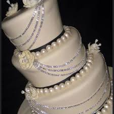 wedding cakes with bling musely