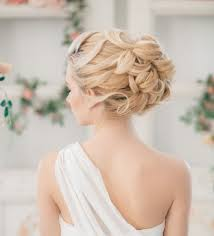 Hochsteckfrisurenen Hochzeit Trauzeugin by Die Besten 25 Hochzeitsfrisur Hochgesteckt Ideen Auf
