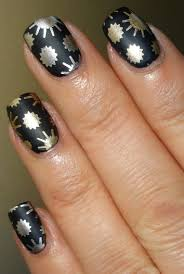 wendy u0027s delights pueen 62 stamping plate from sparkly nails