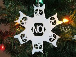 snowflake grumpy cat ornament b8mltzb9v by kimotion