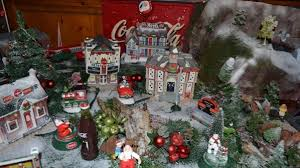 Coca Cola Christmas Ornaments - see how these coca cola collectors decorate for the holidays the