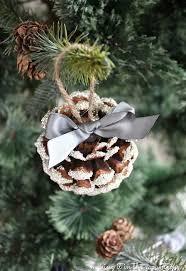 Decorating Pine Cones With Glitter Glass Glitter Pine Cones Hometalk