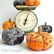 Reproduction Vintage Halloween Decorations by Vintage Halloween Bandana Diy Pumpkin Allfreeholidaycrafts Com