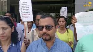 protest at amrapali silicon city by homebuyers youtube