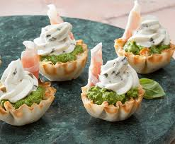 canapé cocktail pea prosciutto phyllo canapes cocktail appetizers