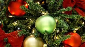 download wallpaper christmas tree christmas decorations garlands
