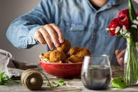 cuisine sicilienne arancini arancini mozzarella ou des boulettes de riz siciliennes cuisine