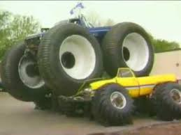 bigfoot 5 crushing monster trucks